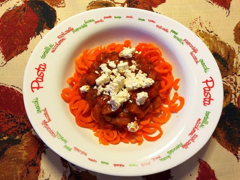 Spaghetti z marchewki po sycylijsku