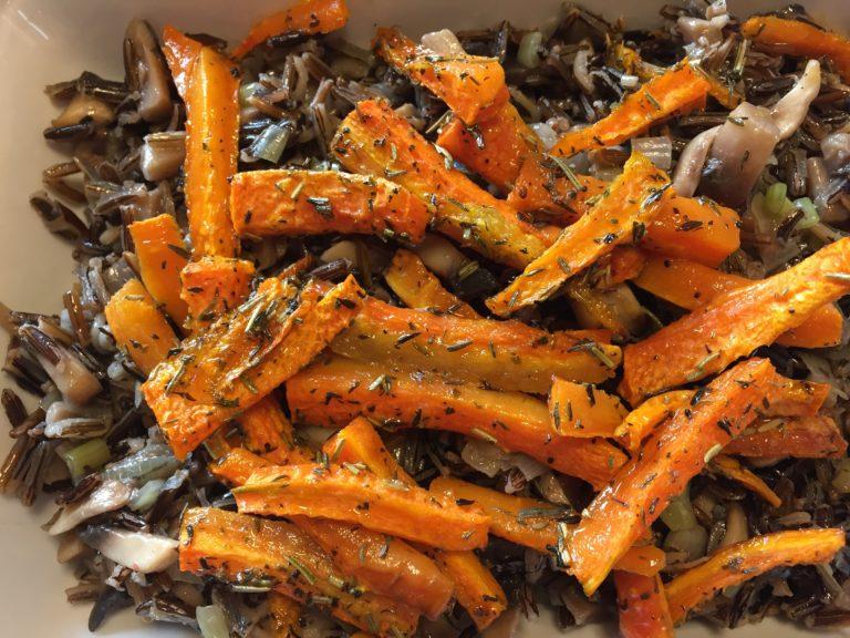 Dziki ryż z grillowaną marchewką